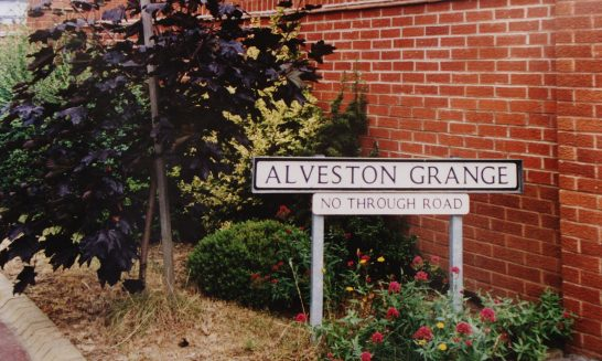 Alveston Grange sign