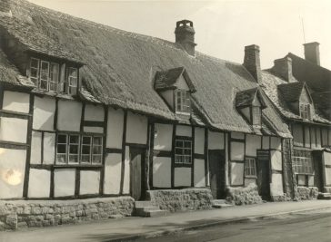 Thatched Cottages in High Street - a history
