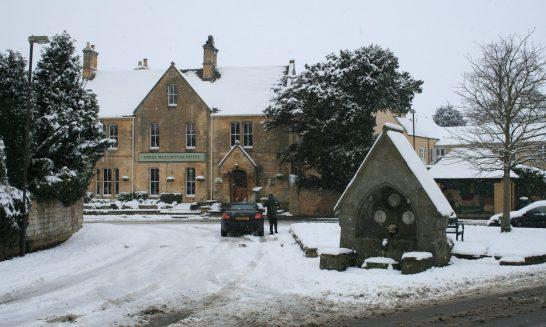 Three Ways House Hotel in Snow